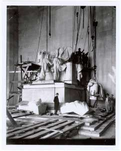 Workers install the Lincoln Statue at the Lincoln Memorial