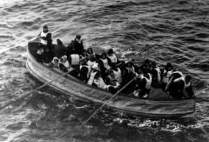 Suvrviors aboard a lifeboat from the Titanic