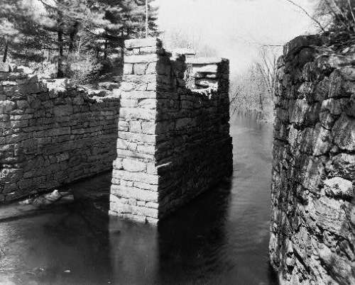 Middlesex Canal, Shawsheen Aqueduct. Photo courtesy Library of Congress.