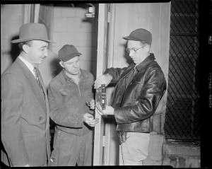 The tampered lock at the Brink's building. Photo courtesy Boston Public Library, Leslie Jones Collection.