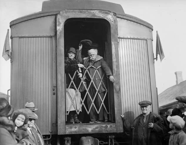 Mellie Dunham and Gram leaving New Hampshire for the bright lights. Photo courtesy Boston Public Library, Leslie Jones Collection.