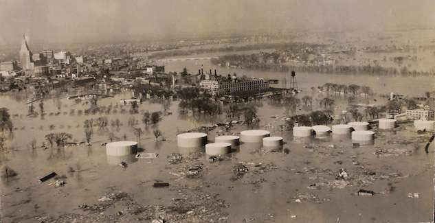Hartford underwater. Photo courtesy Library of Congress.