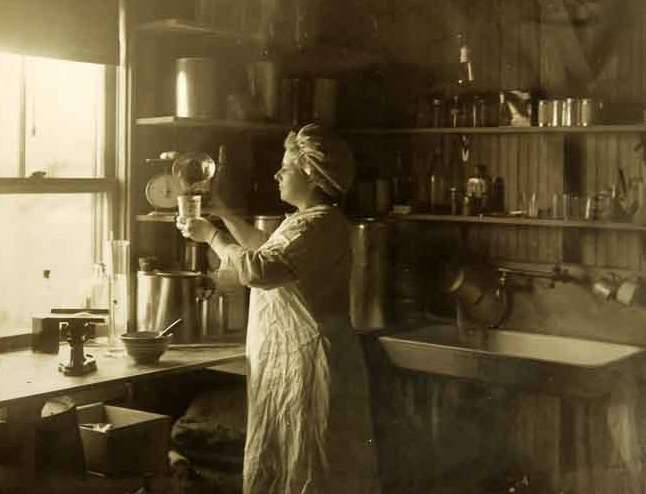 The Revolutionary Roots of the Fluffernutter Sandwich - New England  Historical Society