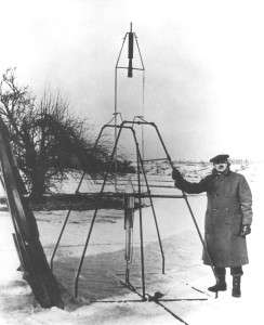 Goddard and his rocket in Auburn, Mass. in 1926.