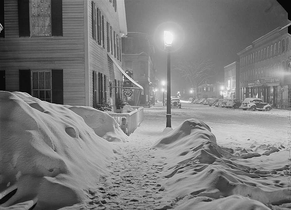 Woodstock, Vt., at night.