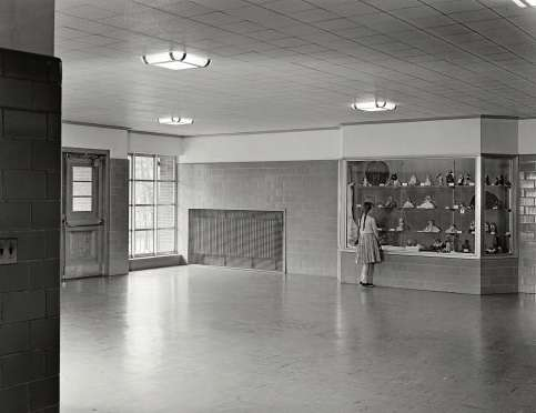 Stamford in the 50s: Walter R. Dolan Junior High School, Toms Road, Stamford, Connecticut. Entrance foyer 1952