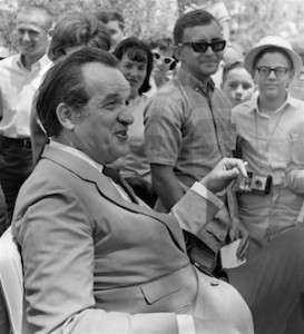 Al Capp at 1966 Art Festival in Florida, by Tom Simondi