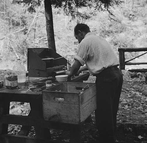 Cooking on the Mohawk Trail. Photo courtesy Library of Congress.