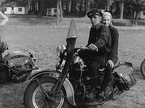 Mohawk Trail motorcyclists. Photo courtesy Library of Congress.