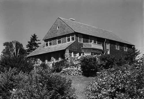 The Brown-Donahue House in Cape Elizabeth, designed by John Calvin Stevens. Photo courtesy Library of Congress.