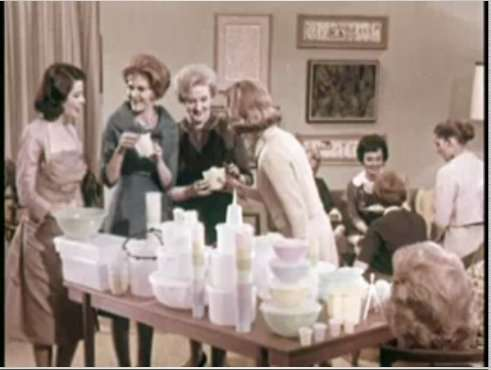Tupperware_party