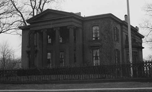 The Skinner-Trowbridge House. Photo courtesy Library of Congress.