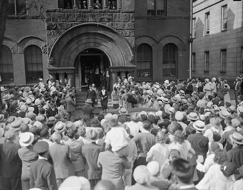 Jessie Costello leaves Salem courthouse. Photo courtesy Boston Public Library, Leslie Jones Collection.