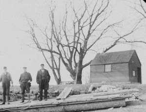 The Ferry-house and ferrymen in 1908, connected with the Sailors Snug Harbor at Germantown.