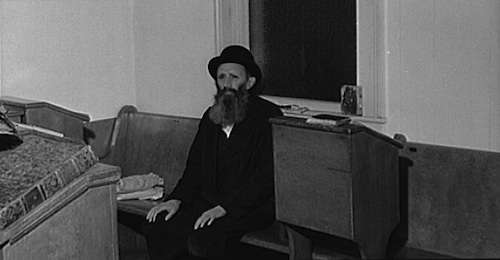 One of the Jewish residents of Colchester after the services in the local synagogue. Photo courtesy Library of Congress.