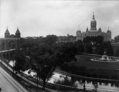 Bushnell Park, 1901. Photo courtesy Library of Congress.
