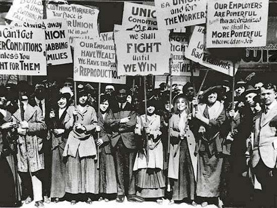 Flashback Photo: The 1912 Bread and Roses Strike - New England Historical  Society