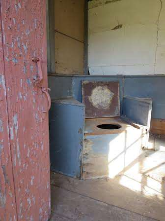 colonial outhouses 3