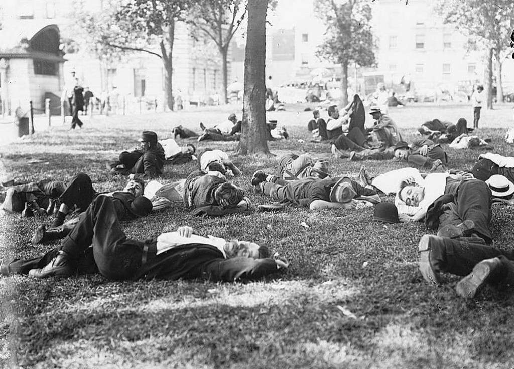 Sleeping in the park in New York during the 1911 heat wave. Photo courtesy Library of Congress.