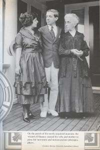 Ponzi with his wife and mother.