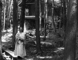 Marian MacDowell at the Log Cabin. Photo courtesy Library of Congress.