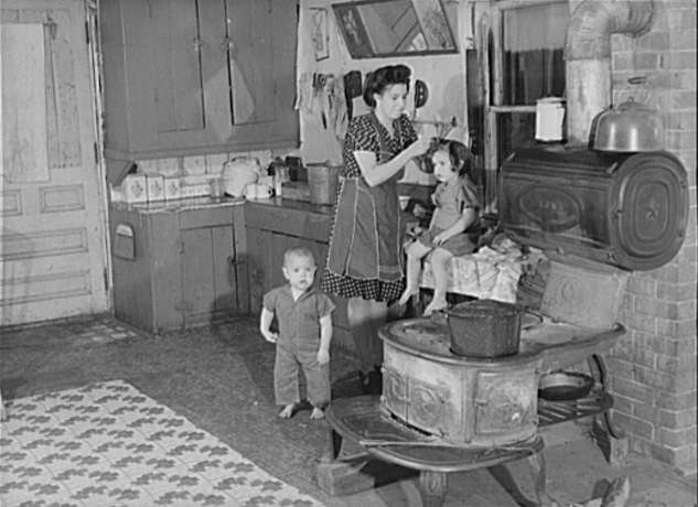 Wife and children of a poor French-Canadian potato farmer in the St. John Valley, 1940. Photo courtesy Library of Congress.