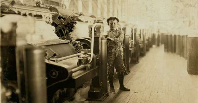 A child textile mill worker in Evansville, Ind. Photo by Lewis Hine, courtesy Library of Congress.