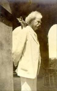 pet-names-mark-twain-with-cat-on-his-shoulder