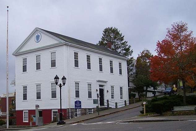 oldest courthouses plymouth