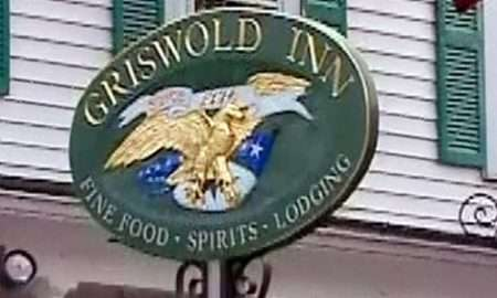 six-oldest-restaurants-griswold_inn_sign