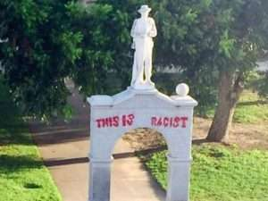 The Southern Poverty Law Center Estimates That There Are More Than 700 Confederate Monuments In America S Public Spaces Along With Hundreds Of Schools