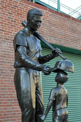 jimmy-fund-ted-williams-statue