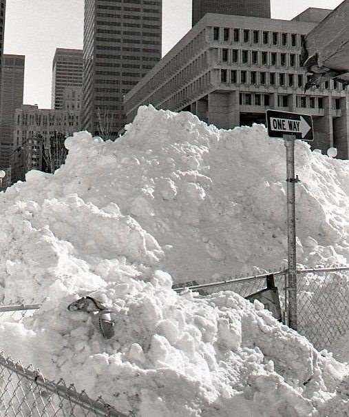 1978-blizzard-boston-ccity-hall