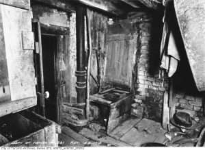 sex-workers-slum-interior-toronto-1913