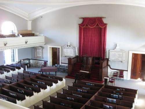 http://www.newenglandhistoricalsociety.com/wp-content/uploads/2019/03/church-going-animal-ufpc.jpg
